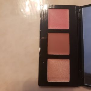 NEW Laura Geller eye lip cheek palette
